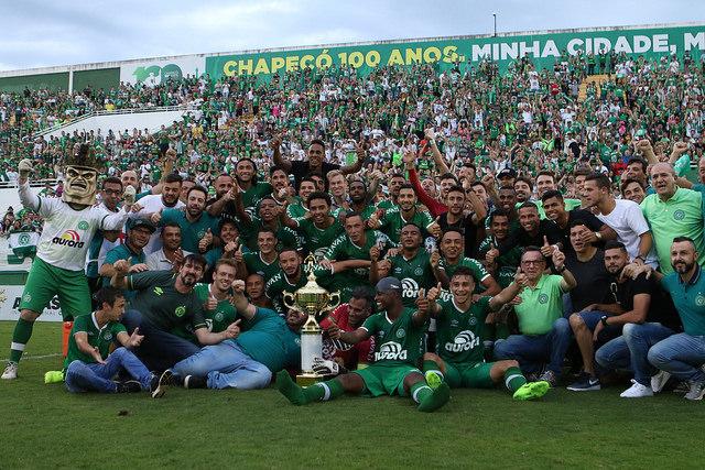 Chape vence o Joinville e Taça Sandro Pallaoro fica na Arena Condá