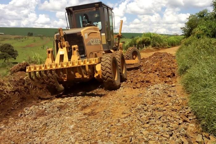 Estradas de acesso a Barro Preto e Pesqueiro são atendidas pela Prefeitura de Xanxerê