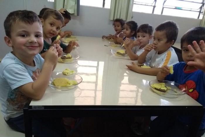 Alunos das escolas e creches conhecem história da Festa Estadual do Milho