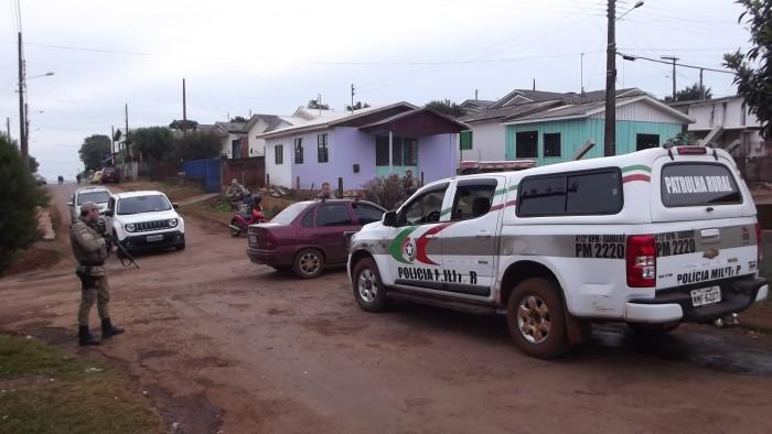 PM realiza operação para coibir tráfico de drogas e armas no São Romeiro
