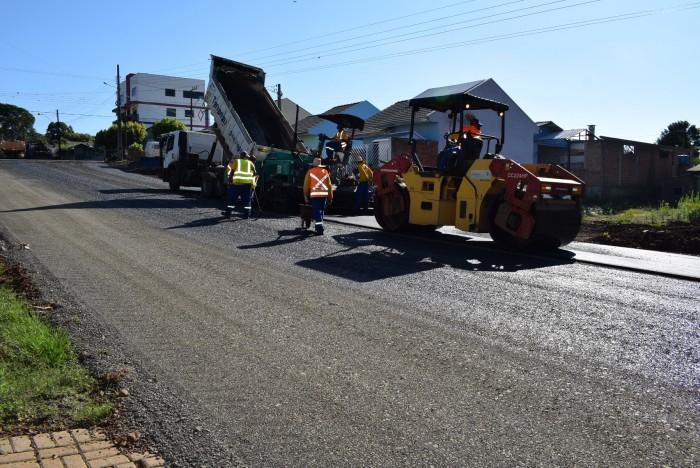 Ruas do bairro Sufiatti começam a ser pavimentadas em Xanxerê