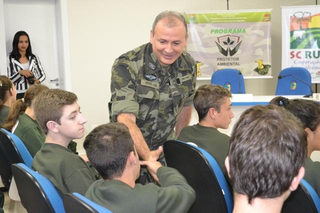 Polícia Militar Ambiental realiza aula inaugural dos Protetores Ambientais