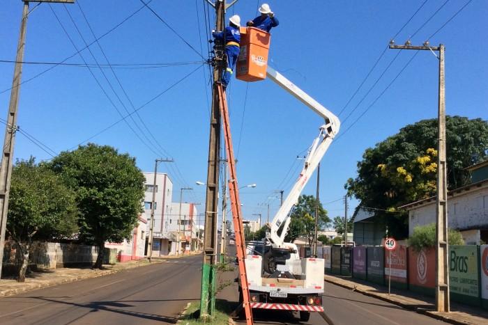 Prefeitura define cronograma de manutenção da iluminação pública nos bairros