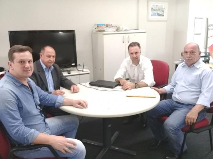 Câmara intermediou reunião da prefeitura com Associação de Haitianos