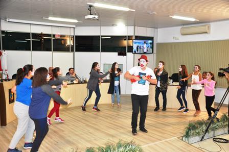 Câmara faz homenagem a Grupo de Teatro de Xanxerê
