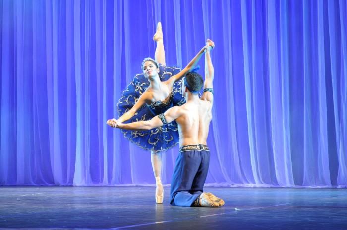 Apresentação do Teatro Bolshoi reúne mais de 700 pessoas em Chapecó
