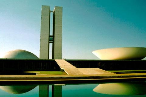 Prefeito Bruno Bortoluzzi viaja à Brasília para buscar recursos
