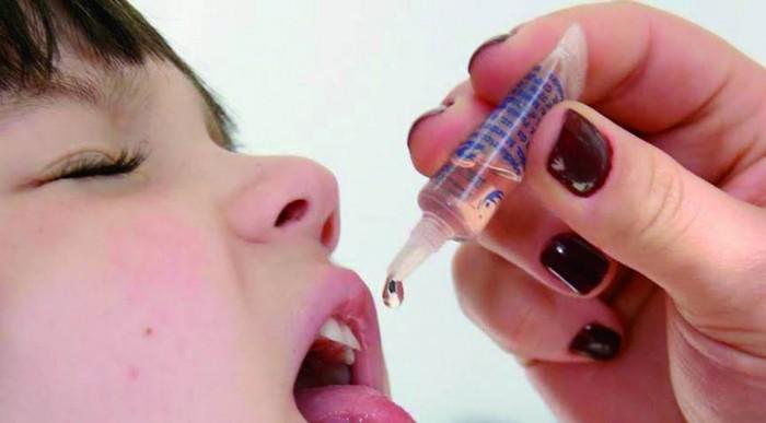 POLIOMIELITE: Crianças precisam ser vacinadas contra a doença